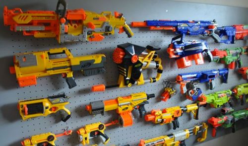 Machine gun, duo pistols, sniper or maybe the cross bow? Pick your favorite Nerf  gun and charge into the battle! Don't worry; Nerf guns' unique foam bullets  ...